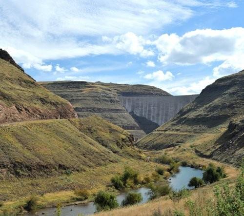 Dam-wall