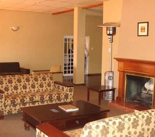 Lounge-fireplace 1