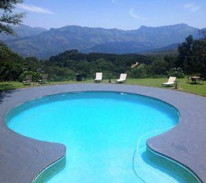 Coachhouse-swimmimg-pool